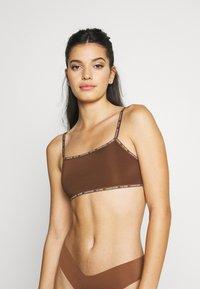 Calvin Klein Underwear - UNLINED BRALETTE 2 PACK - Steznik - rich espresso - 0