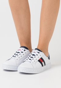 Tommy Jeans - Sneakers basse - red/white/blue - 0
