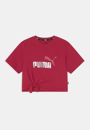 LOGO SILHOUETTE TEE - Print T-shirt - persian red
