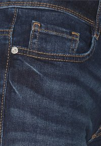 TOM TAILOR - ALEXA BERMUDA - Denim shorts - dark stone wash denim - 2