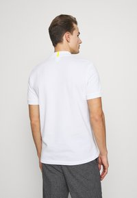 Lacoste - LACOSTE X NATIONAL GEOGRAPHIC - Polo shirt - white/frog - 2