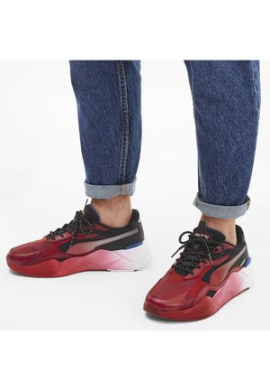 Baskets basses - rosso corsa-puma black