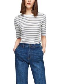 s.Oliver - Print T-shirt - lilac stripes - 3