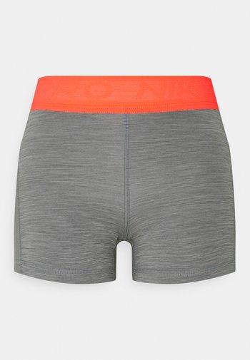 SHORT FEMME  - Medias - smoke grey/heather/bright mango/white