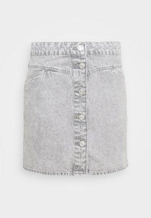 NMBE JUNE SHORT SKIRT - Jupe en jean - light grey denim