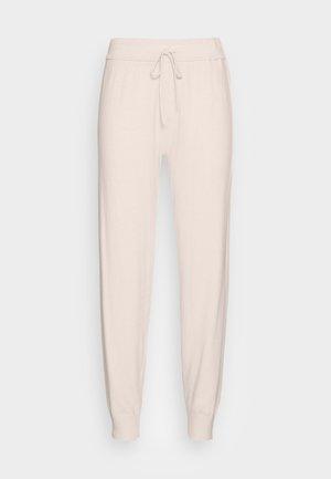 ZAMONA STRING PANT - Teplákové kalhoty - french nougat