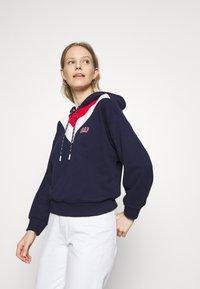 GAP - USA - Hoodie - navy uniform - 3