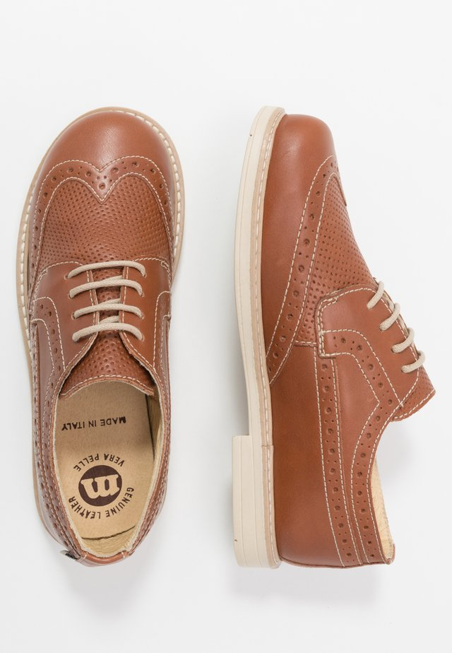 Derbies - tan