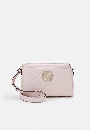 DILLA GIRLFRIEND CROSSBODY - Across body bag - blush