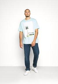 Jack´s Sportswear - SURF - Print T-shirt - hellblau - 1