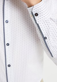 WE Fashion - SLIM FIT  - Overhemd - all-over print - 4