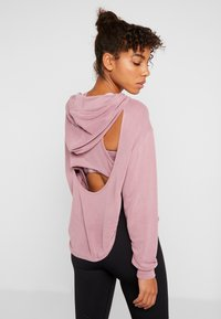 Free People - BACK INTO IT HOODIE - Luvtröja - pink - 2