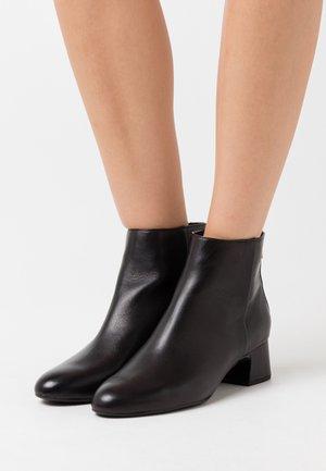 LOLITA - Boots à talons - black