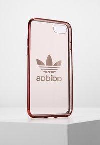 adidas Originals - OR CLEAR CASE  - Etui na telefon - collegiate burgundy - 2