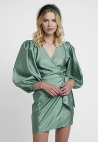Samsøe Samsøe - MAGNOLIA SHORT DRESS - Cocktail dress / Party dress - green - 0