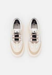 MOA - Master of Arts - DOUBLE MUSEUM - Sneakersy niskie - beige - 4