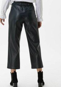 BRAX - STYLE MAINE S - Trousers - marine - 2