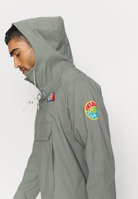 The North Face - PRINTED CLASS FANORAK - Windbreaker - agave green - 3