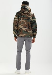 Alpha Industries - ANORAK - Jas - woodland - 2