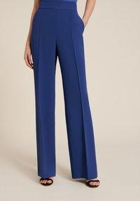 Luisa Spagnoli - OISY - Trousers - blu - 0