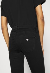 Guess - CURVE - Jeans Skinny Fit - groovy - 3