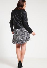 Zizzi - IMITATED JACKET - Faux leather jacket - black - 2