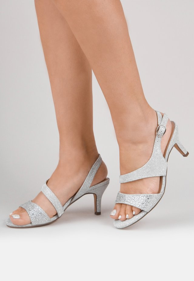 LUMLEY - WIDE FIT - Sandalen - silver