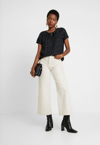 TOM TAILOR - BLOUSE WITH NECK - Blouse - black/white - 1