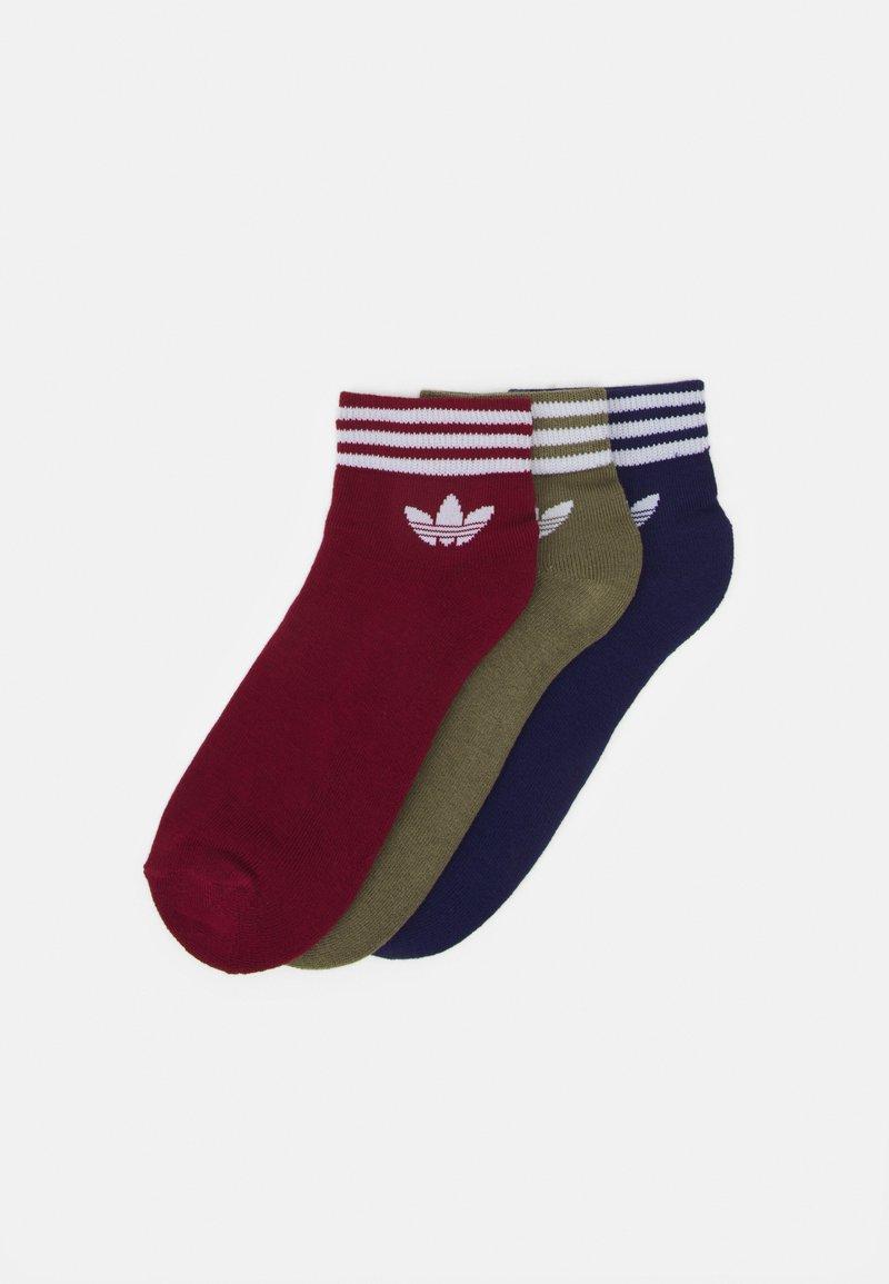 adidas Originals - TREF 3 PACK UNISEX - Socks - collegiate burgundy/night sky/focus olive/white