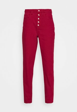 EXPOSED BUTTON RIOT - Jeans Skinny Fit - red