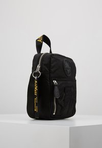 Dr. Martens - SUPER MINI BAG - Bandolera - black - 3