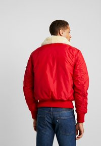 Alpha Industries - INJECTOR  AIR FORCE - Kurtka Bomber - speed red - 2