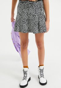 WE Fashion - SKORT - Mini skirt - black - 0
