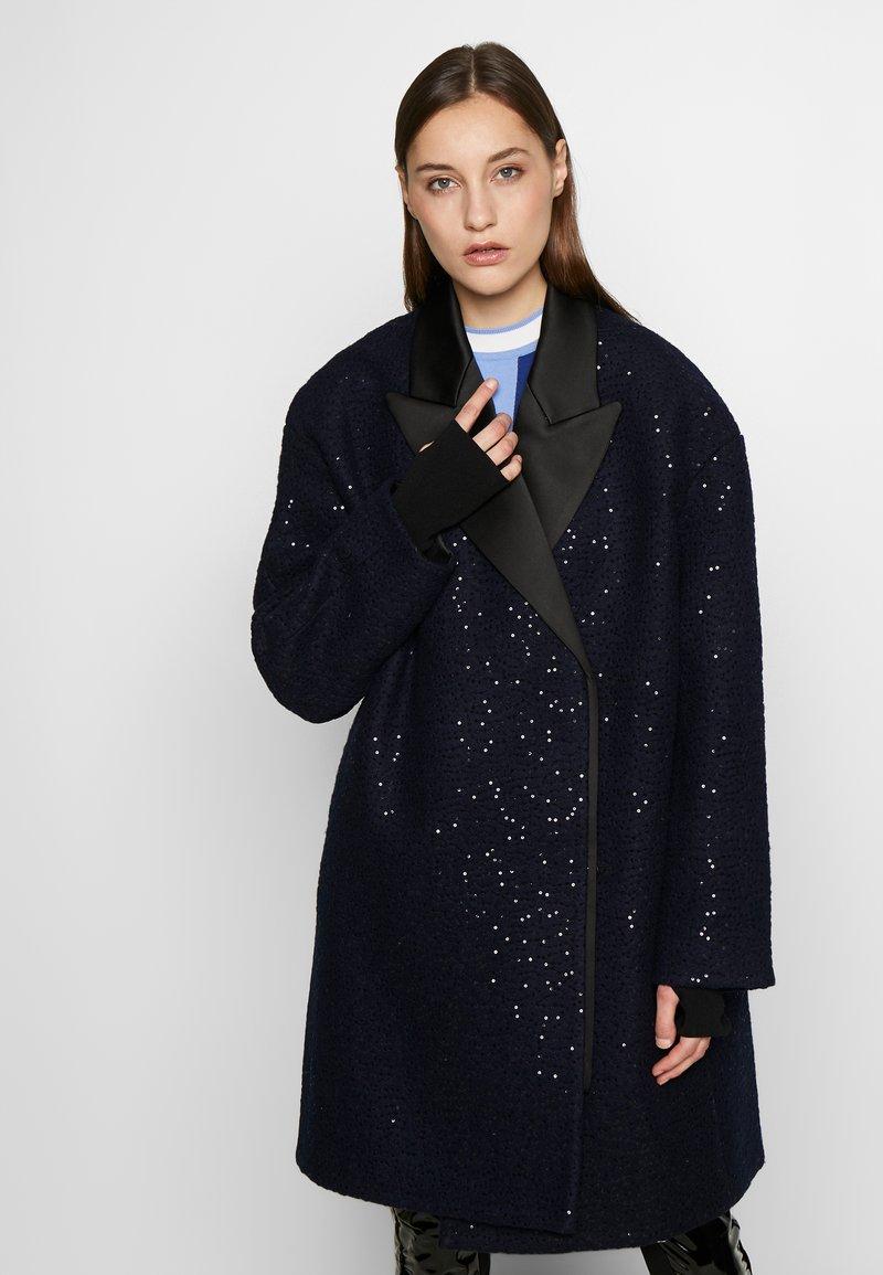 KARL LAGERFELD - SEQUIN COAT  - Classic coat - navy/black