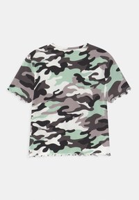 New Look 915 Generation - CAMO CALABASA - Print T-shirt - khaki - 1