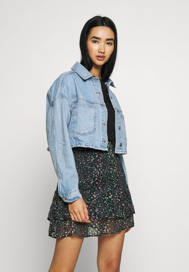 Topshop - CROP JACKET - Denim jacket - blue denim