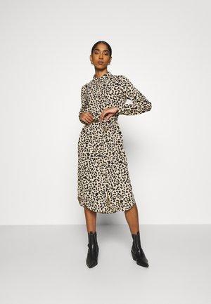 VMANI DRESS - Shirt dress - linea
