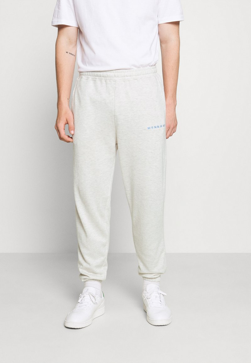 Mennace - ESSENTIAL REGULAR JOGGER UNISEX  - Pantalon de survêtement - grey