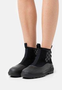 Vans - COLFAX  - Ankle boots - black - 0