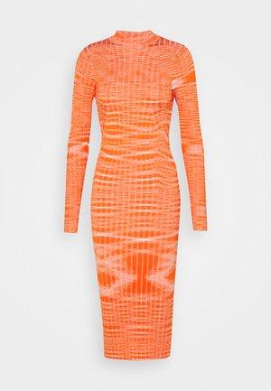 GINGER - Jumper dress - peach