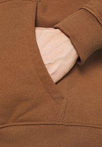 Karl Kani - UNISEX SMALL SIGNATURE HOODY - Felpa - brown - 5