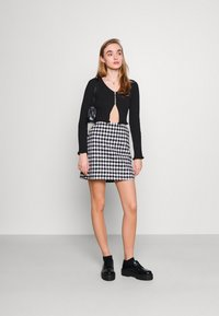 Milk it - HOOK AND EYE FRONT FAS - Cardigan - black - 1