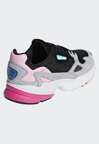 adidas Originals - FALCON - Sneakers laag - black - 4
