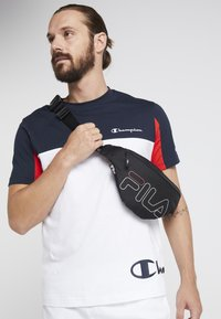 Fila - WAIST BAG SLIM - Bum bag - black - 1