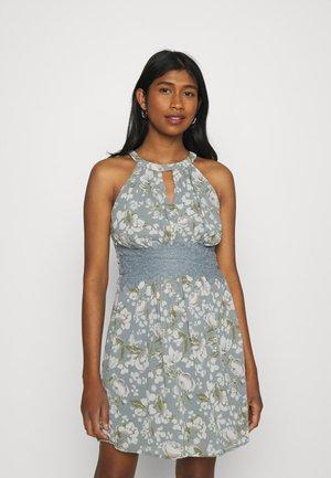VIMILINA FLOWER DRESS - Vestido de cóctel - ashley blue/white