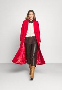 IVY & OAK - CAECILIA - Classic coat - garnet red - 1