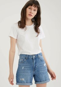 DeFacto - PACK OF 2 - Basic T-shirt - white - 1