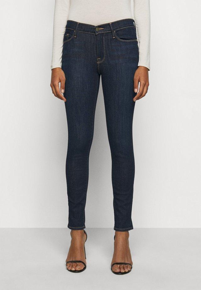 LE SKINNY DE JEANNE - Jeans Skinny - queens way