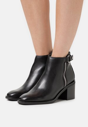DARREBA - Ankle boot - black