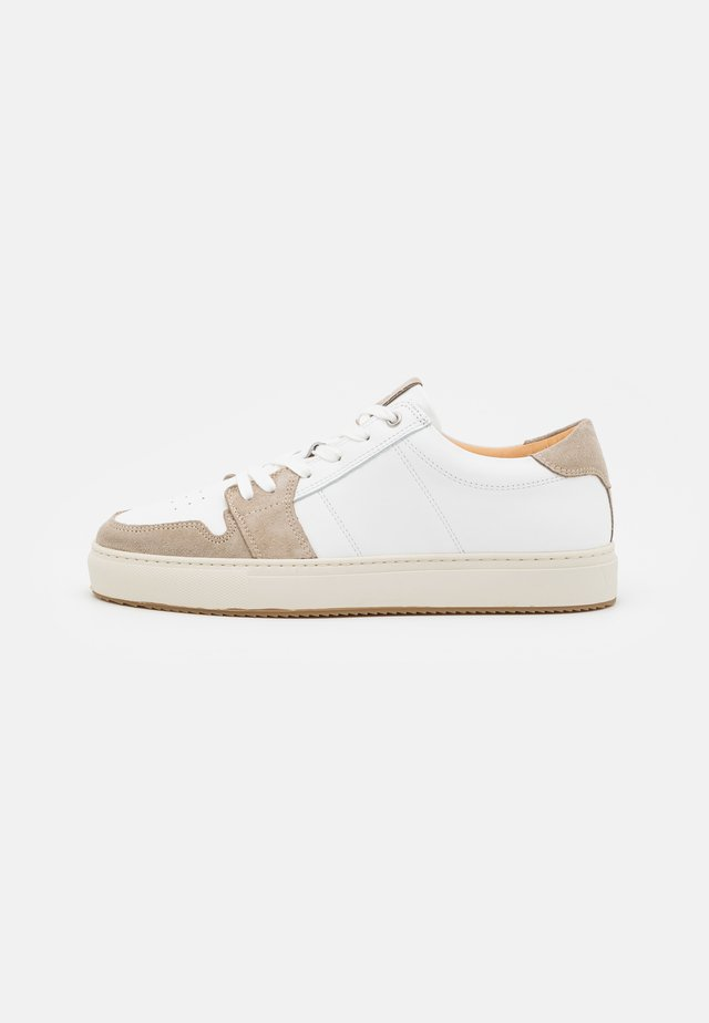 COURT - Sneakers basse - blanco/grey